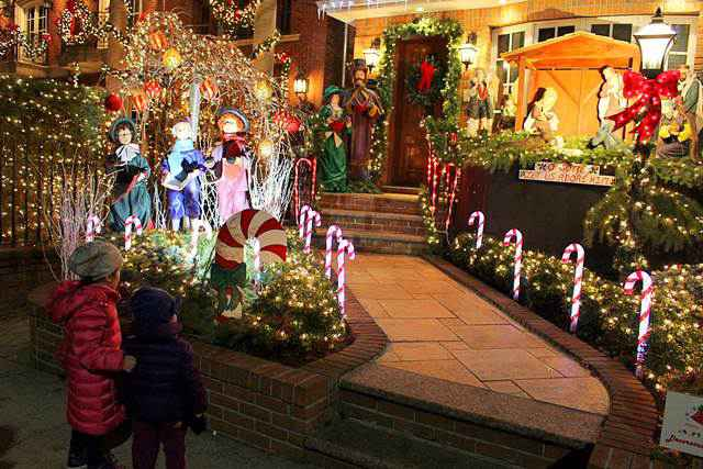 dyker-heights-christmas (14)