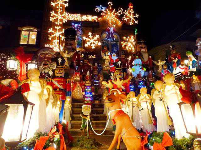 dyker-heights-christmas (2)