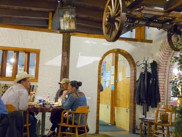 Cattleman's Steakhouse (17)