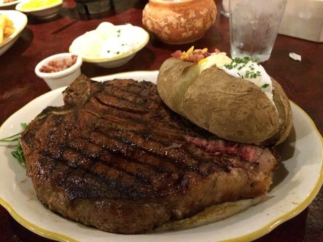 Cattleman's Steakhouse (9)