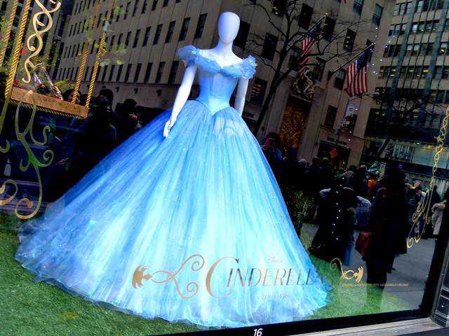 Saks Fifth Avenue (5)