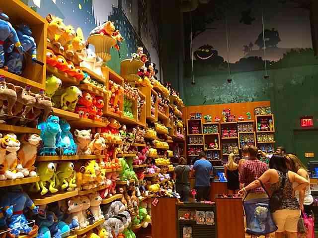DisneyStore (10)