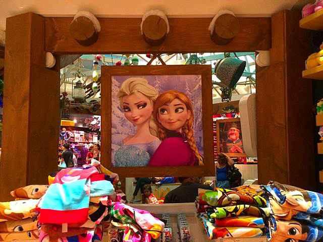 DisneyStore (11)
