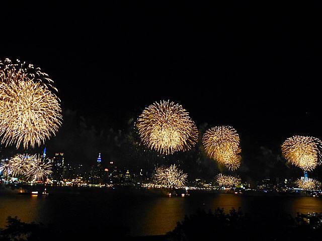 July4thFireworksNYC (2)