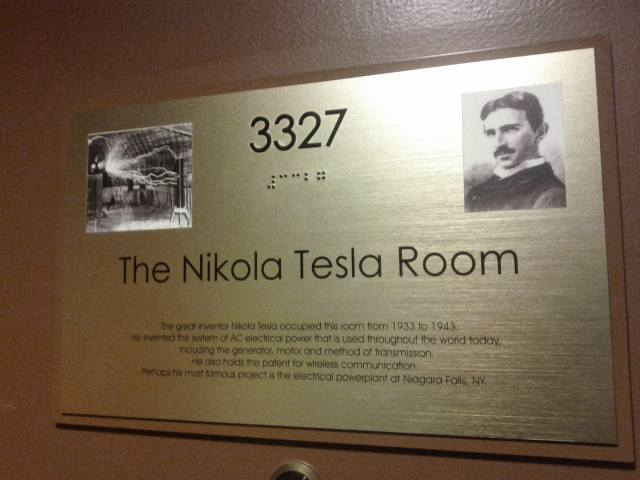 New_yorker_hotel_tesla_3327