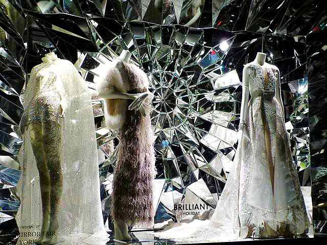 Bergdorf Goodman Holiday Window (9)
