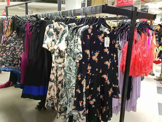 Bloomingdale's Outlet (4)