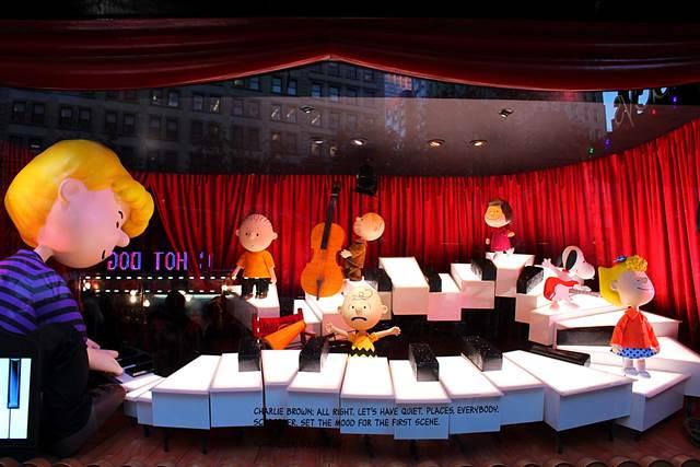 Macy's Holiday Windows (9)