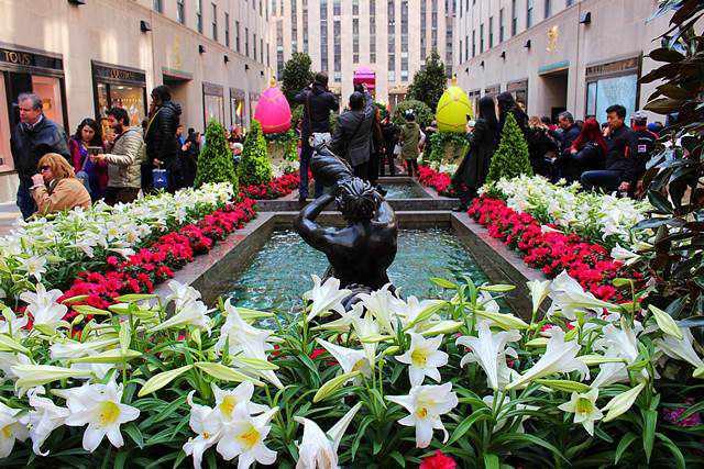 Rockefeller Center Easter (2)