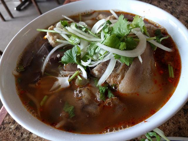 Hoang Lan (3)