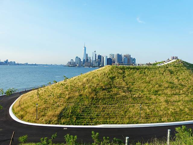 Governors Island The Hills (13)