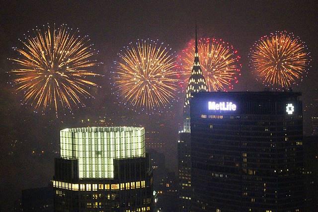 Rockefeller-July4thfireworksNYC (7)