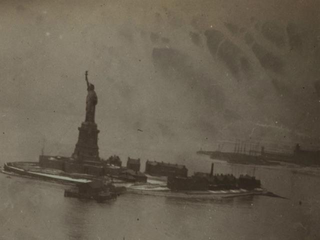 StatueofLiberty1912