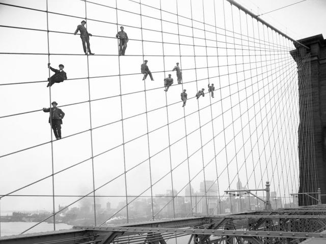 Painters_Brooklyn_Bridge1914