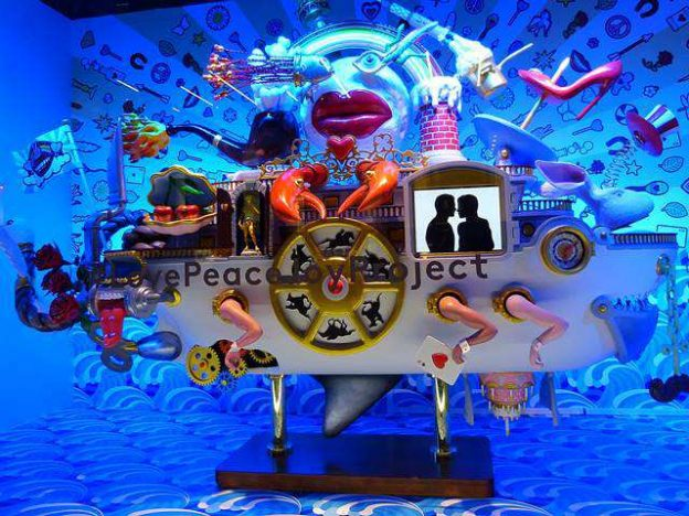 Barneys New York Holiday Windows (1)