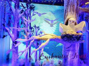 Lord & Taylor Holiday Window (1)