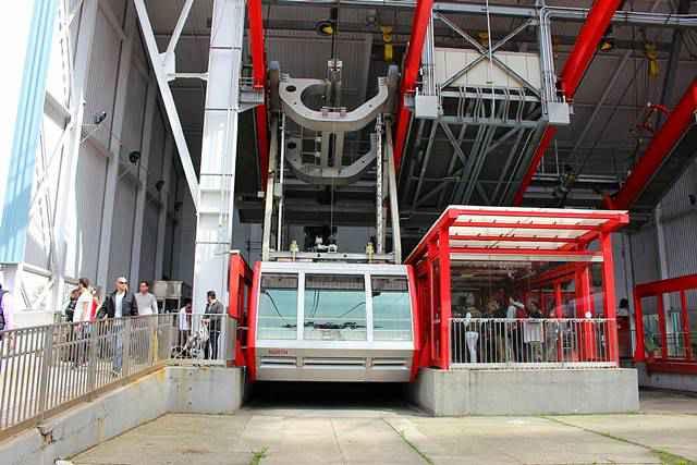 Roosevelt Island Tramway NYC (12)