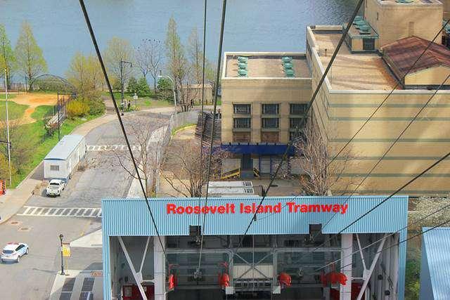 Roosevelt Island Tramway NYC (13)