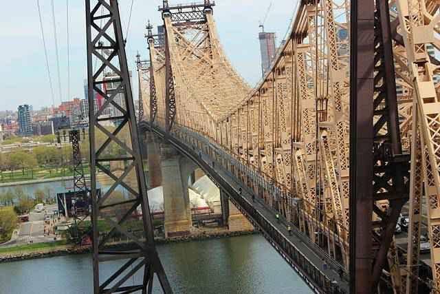 Roosevelt Island Tramway NYC (2)