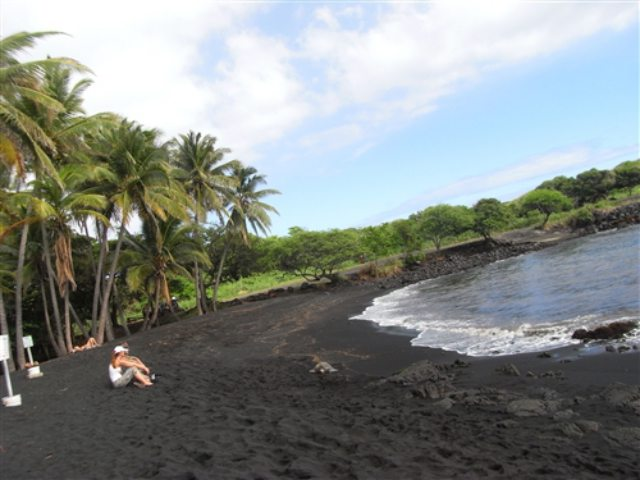 black-sand-beach-hawaii
