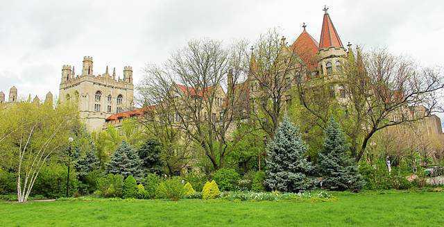 University of Chicago (12)