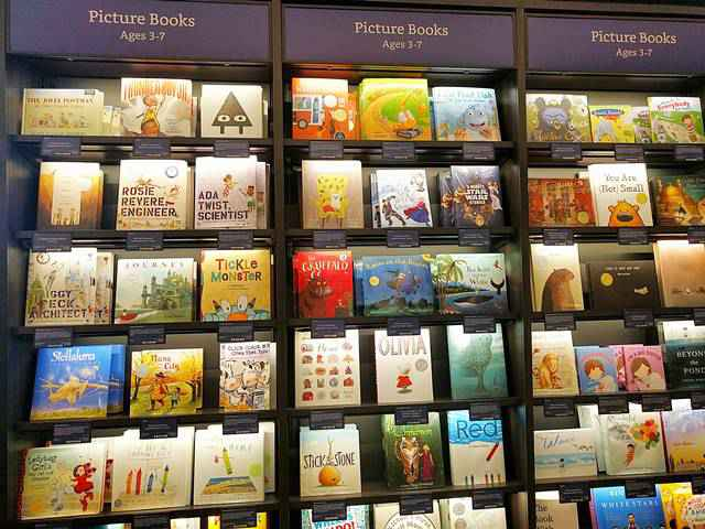 Amazon Books (12)