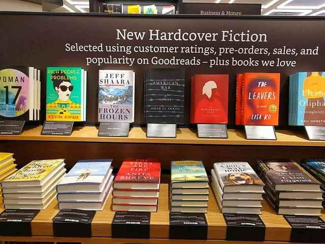 nyアマゾンの本屋1号店の魅力と新しい本屋のかたち petite new york
