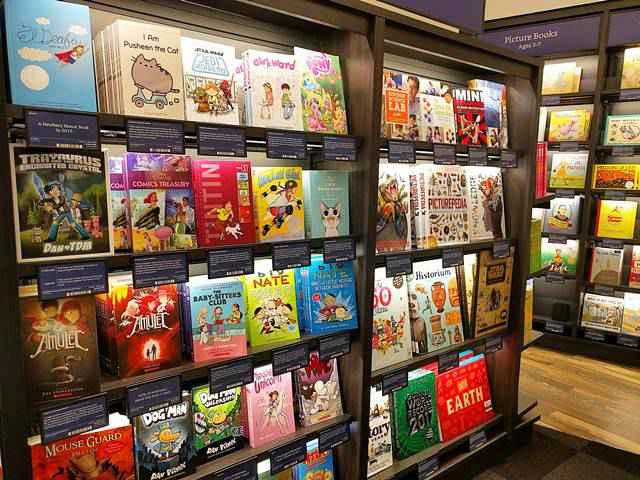 Amazon Books (7)