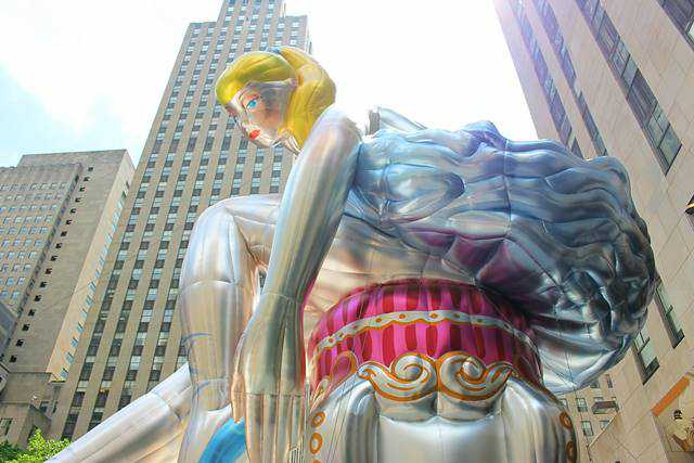 SEATED BALLERINA BY JEFF KOONS (1)