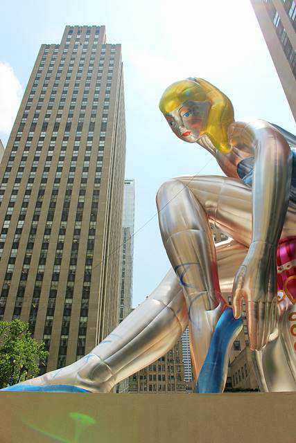 SEATED BALLERINA BY JEFF KOONS (7)