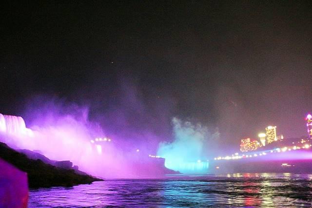 Niagara Falls Hornblower Fireworks (4)