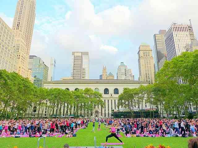 Bryant Park Yoga (5)