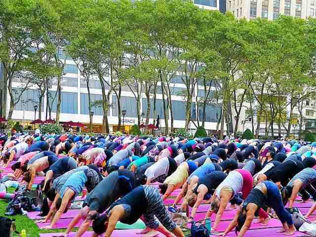 Bryant Park Yoga (6)