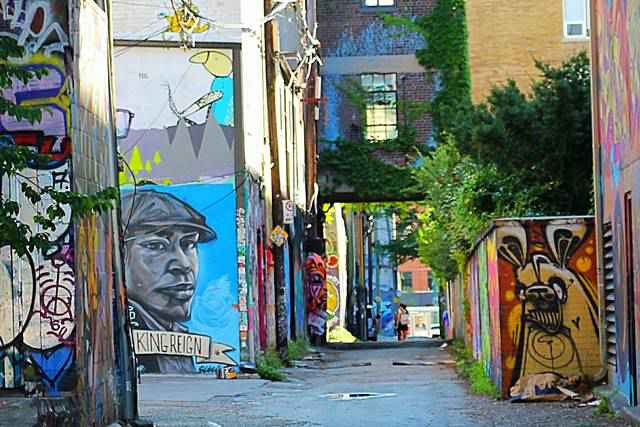 Graffiti Alley Toronto (2)