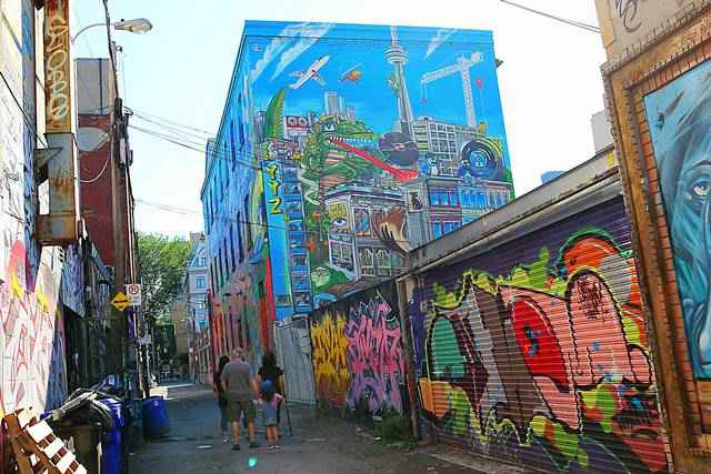 Graffiti Alley Toronto (3)