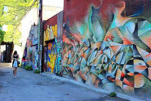 Graffiti Alley Toronto (8)