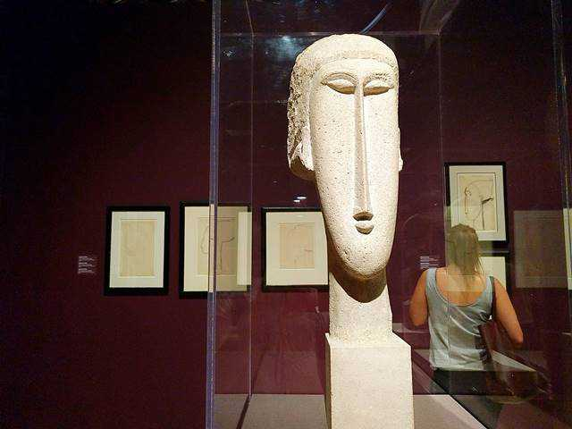 Modigliani Unmasked (5)