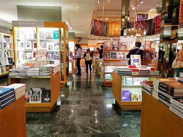 MET Gift Shop (22)