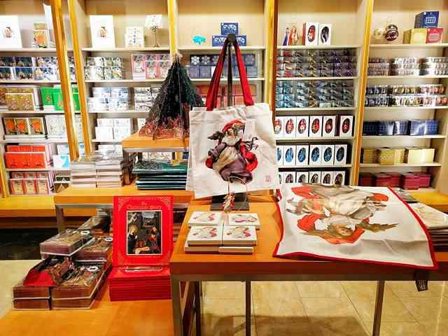 MET Gift Shop (7)