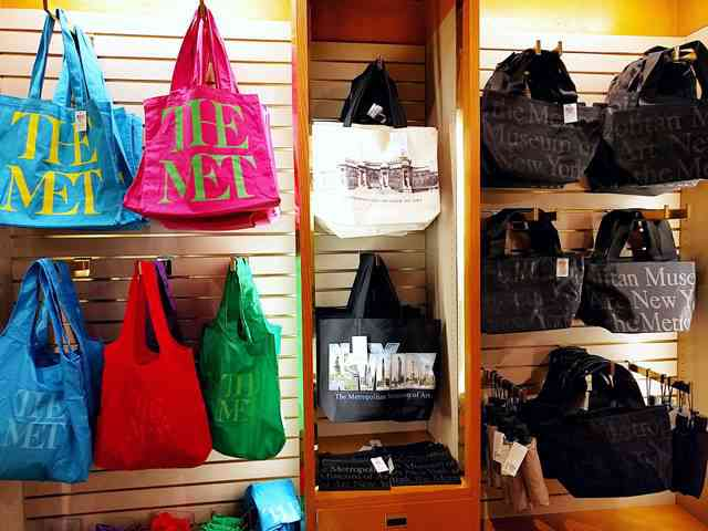 MET Gift Shop (9)