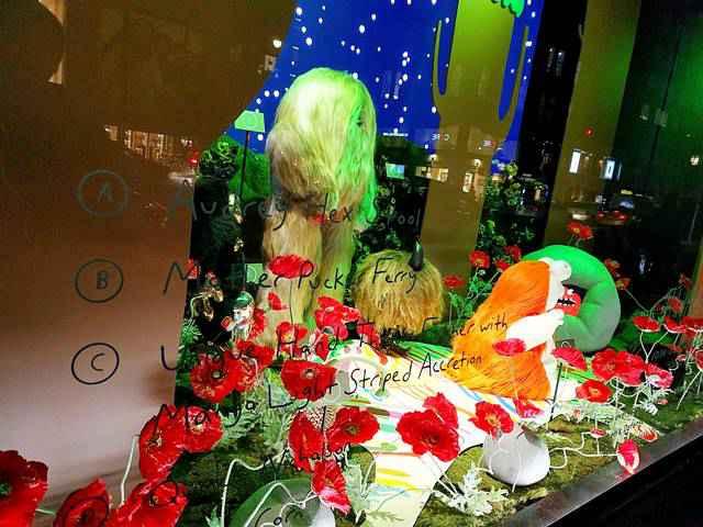 Barneys New York Holiday Window (9)