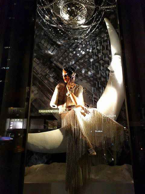 Bergdorf Goodman Holiday Windows 2017 (2)