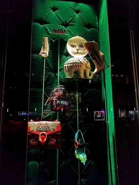 Bergdorf Goodman Holiday Windows 2017 (5)