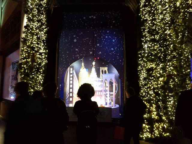 Lord & Taylor Holiday Window (13)