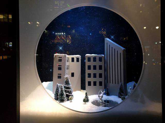Lord & Taylor Holiday Window (2)