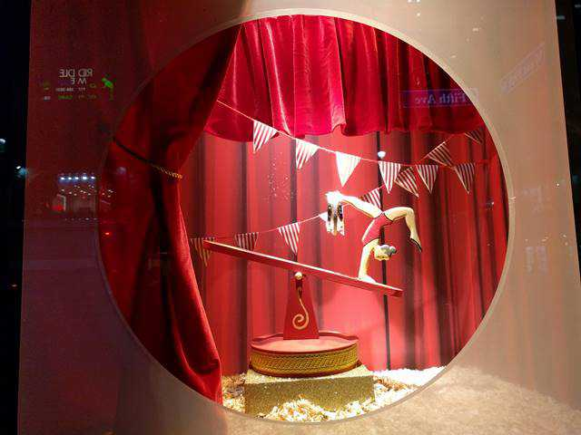 Lord & Taylor Holiday Window (4)