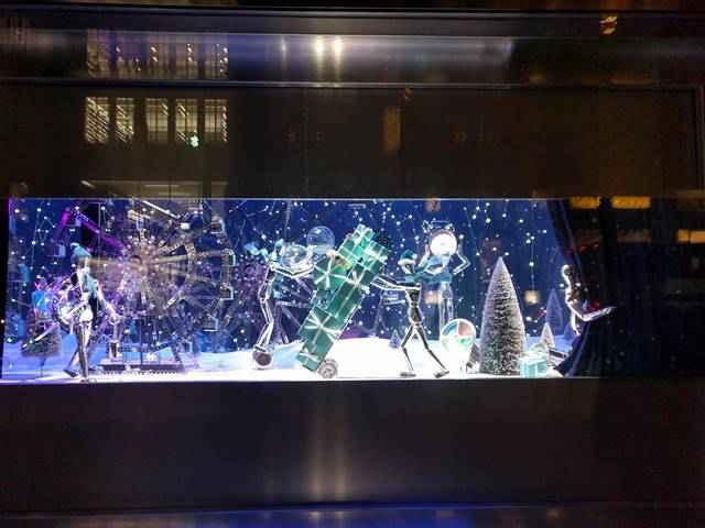 Tiffany Holiday Window 2017 (5)