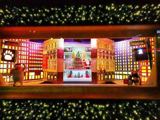 Macy's NYC Holiday Window (16)