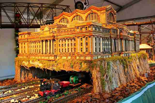 NYBG Holiday Train Show (11)