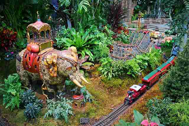 NYBG Holiday Train Show (20)